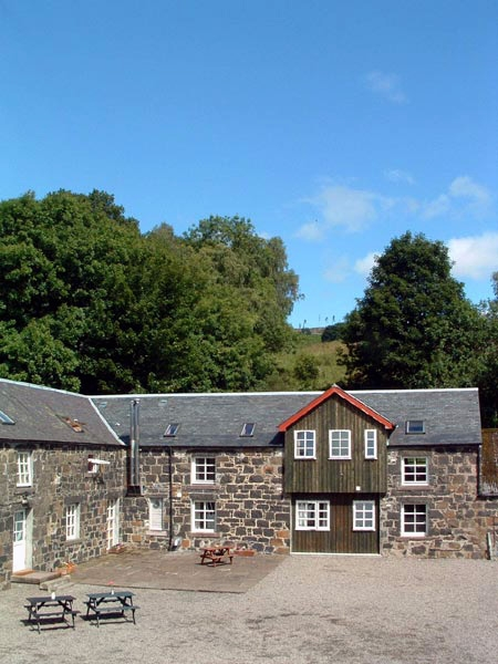 comrie-croft-courtyard